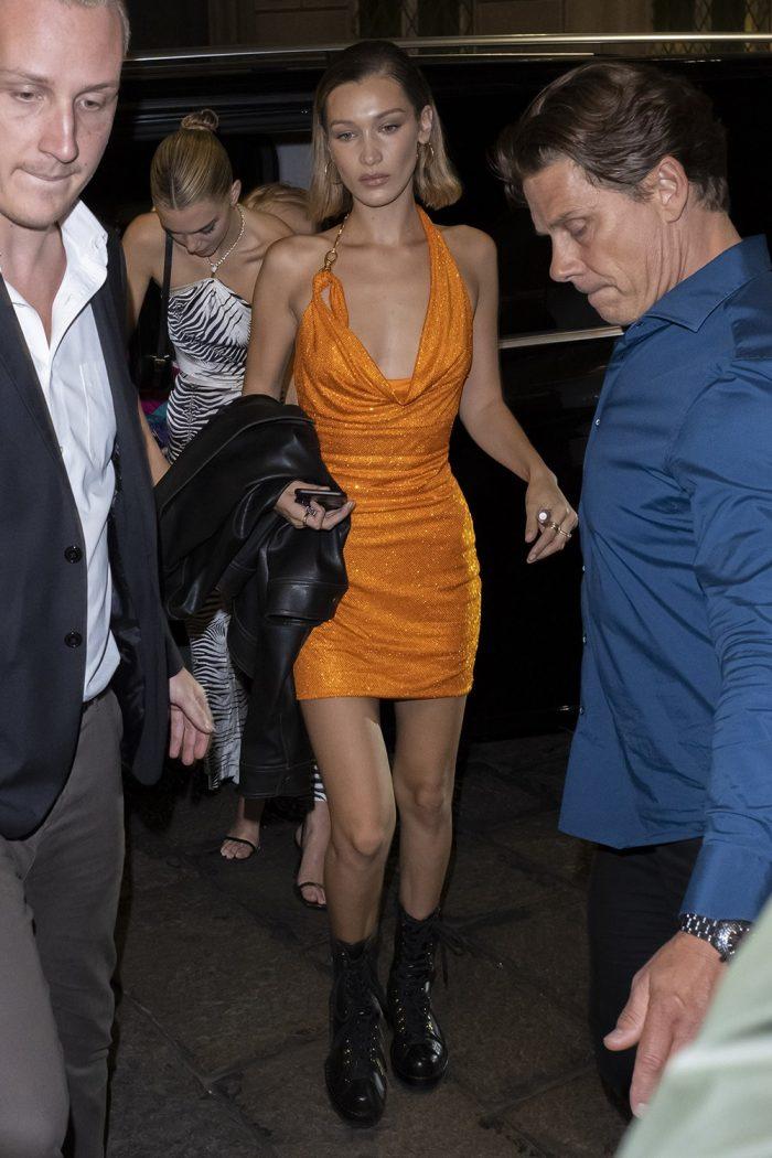 оранжевое мини-платье